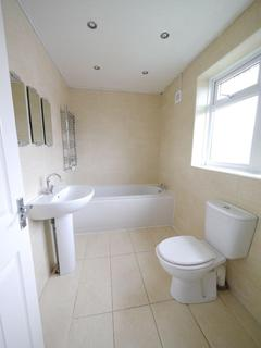 4 bedroom semi-detached house to rent - Tintern Crescent - North Shields
