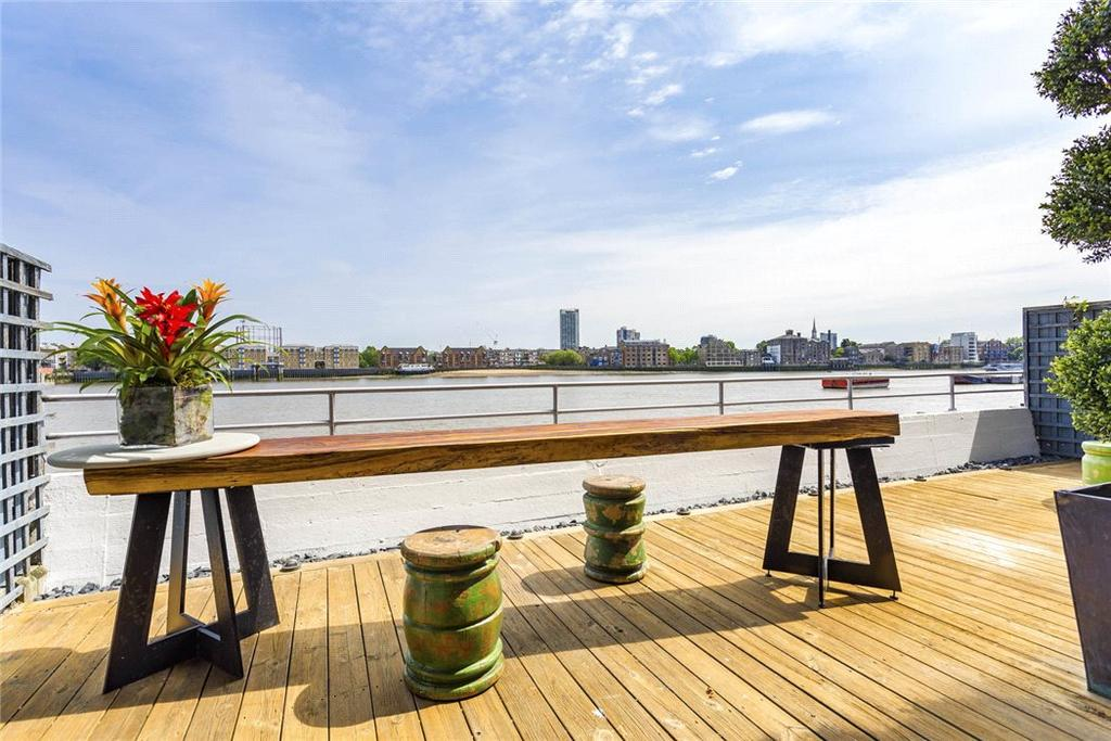 2 Bedrooms Flat for sale in New Crane Wharf, 11 New Crane Place, Wapping, London, E1W