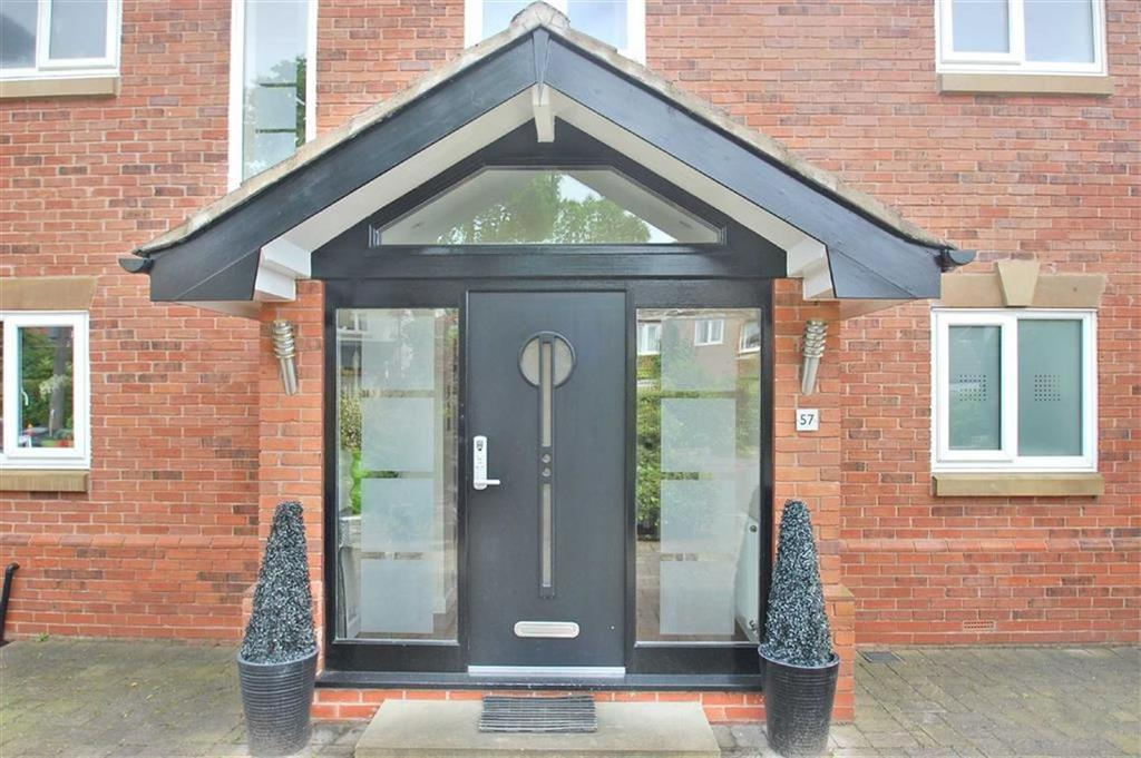 4 Bedrooms Detached House for sale in Ogden Road, Bramhall, Cheshire