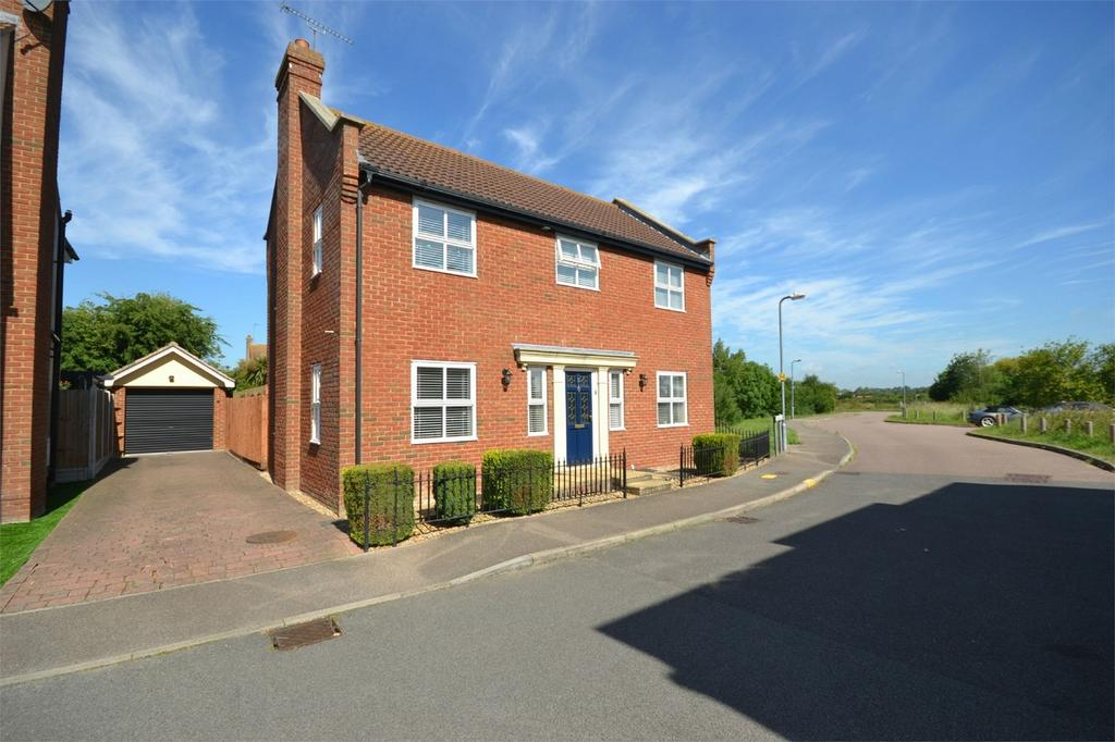 4 Bedrooms Detached House for sale in St Georges Close, Heybridge Basin, Maldon