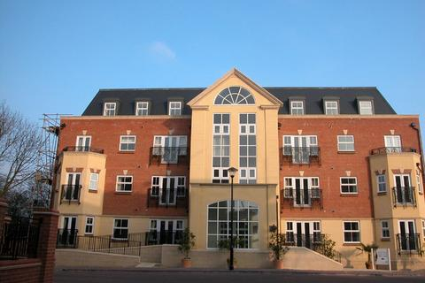 2 bedroom flat to rent - Elmers Court, Post Office Lane, Beaconsfield, HP9