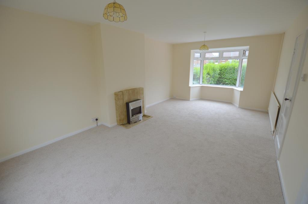 3 Bedrooms Semi Detached House for sale in Kenneth Road, Round Green, Luton, LU2 0LE