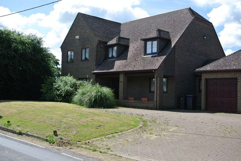 4 Bedrooms Detached House for sale in West Stourmouth, Canterbury
