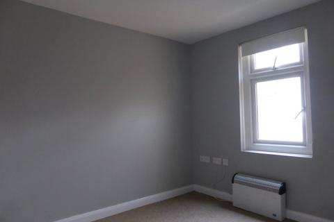 Studio to rent - Middle Street - P1191