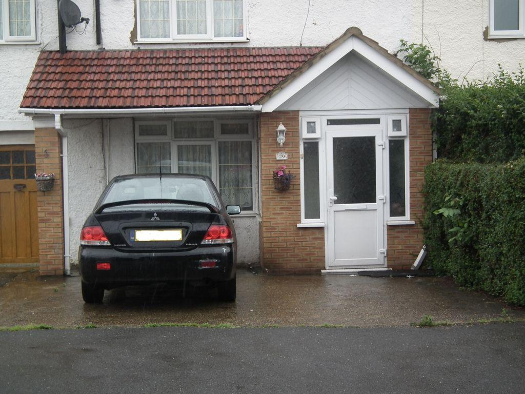 5 Bedrooms House for sale in Minet Drive, Hayes, UB3