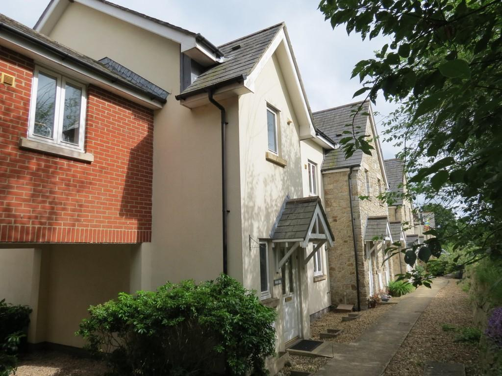 4 Bedrooms End Of Terrace House for sale in Station Court, Bovey Tracey