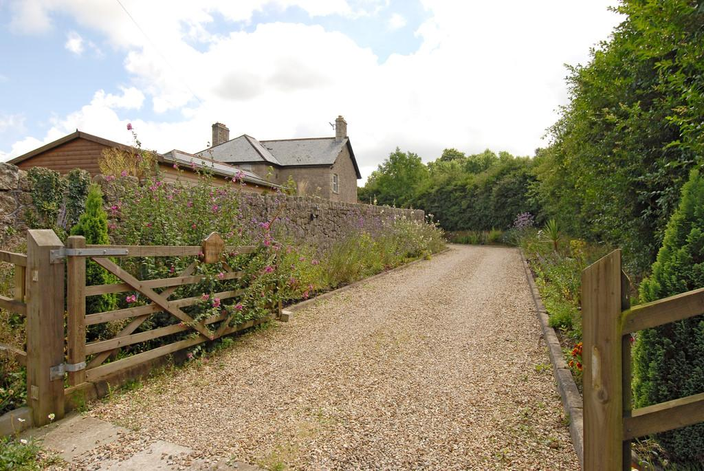 5 Bedrooms Detached House for sale in South Tawton