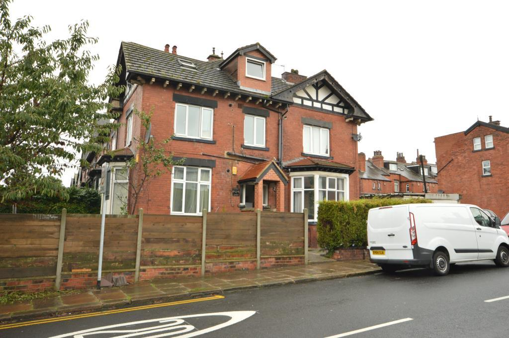 6 Bedrooms Terraced House for sale in Estcourt Avenue, Leeds