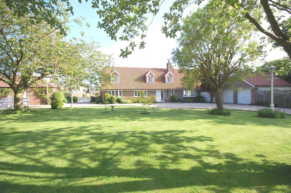 4 Bedrooms Detached House for sale in Eskham, Lincolnshire