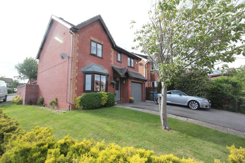 4 Bedrooms Detached House for sale in Y Maes, Denbigh