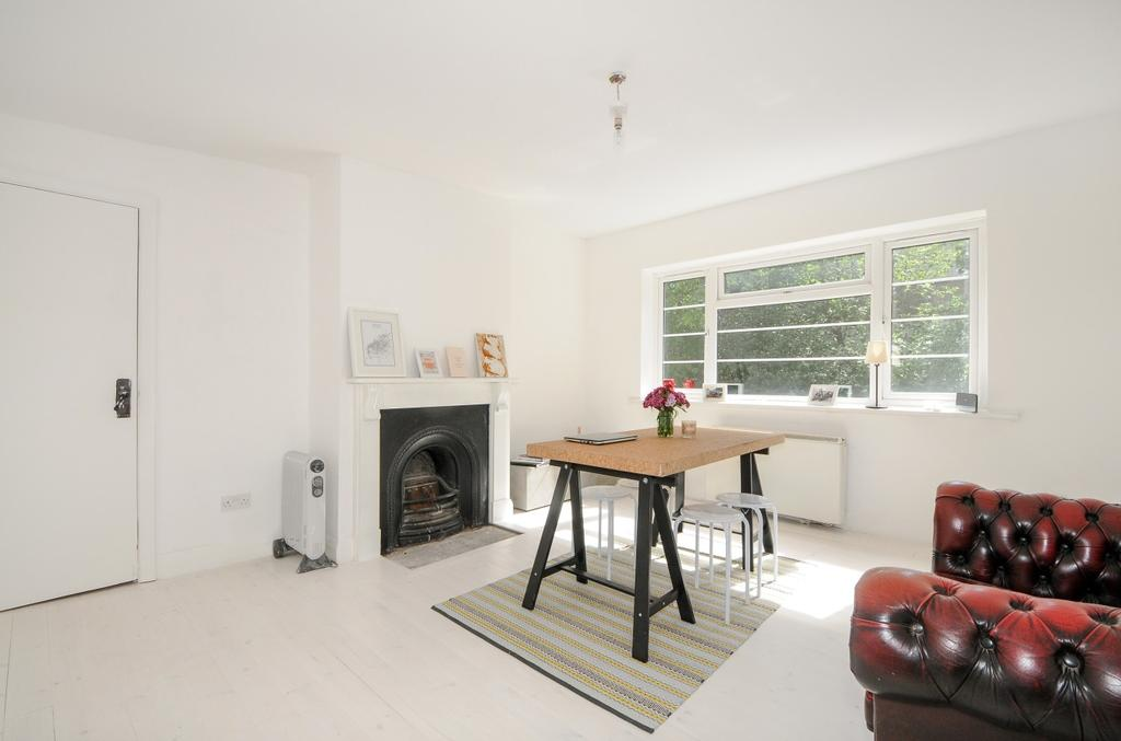 2 Bedrooms Maisonette Flat for sale in Leigham Court Road London SW16