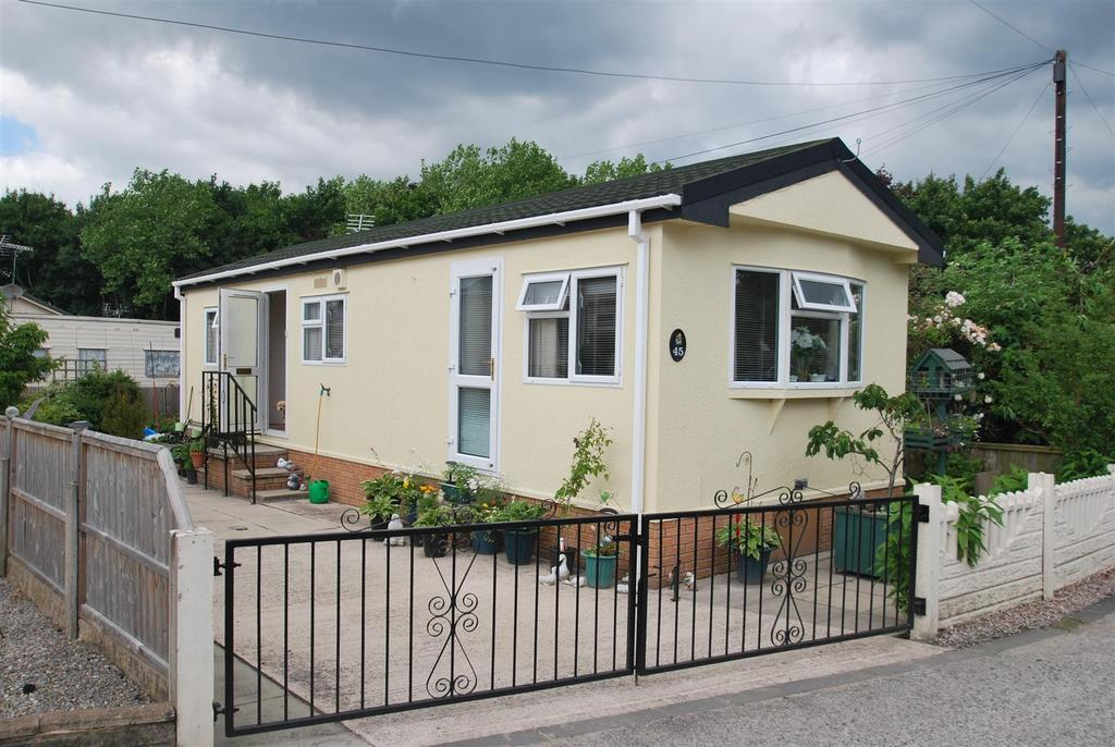 2 Bedrooms Park Home Mobile Home for sale in Tilbey Drive, Frodsham