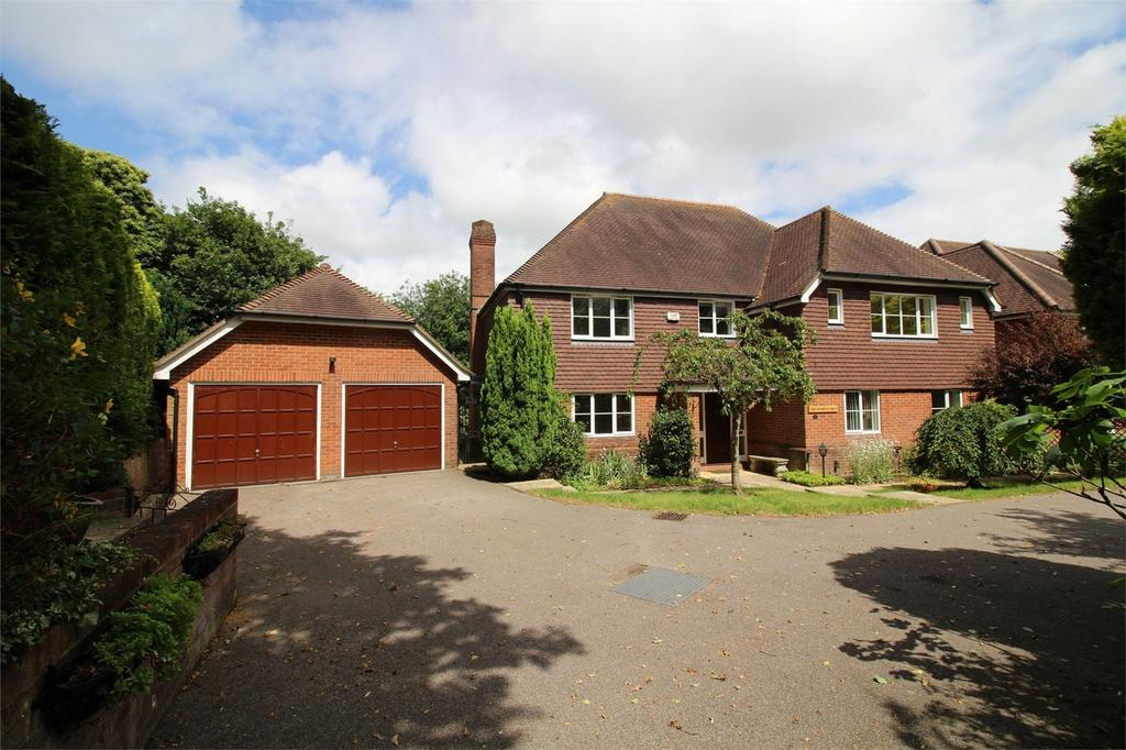 5 Bedrooms Detached House for sale in High Street, Maresfield, East Sussex