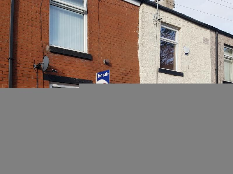 2 Bedrooms Terraced House for sale in Ashton Street, Rochdale, Greater Manchester. OL11