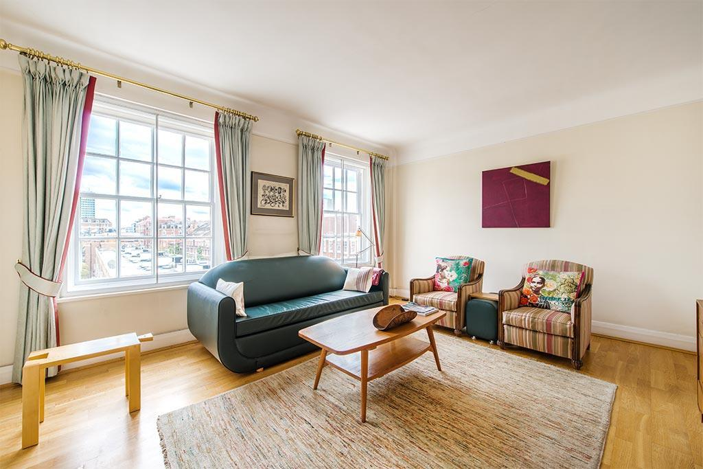 2 Bedrooms Flat for sale in Princess Court, Bryanston Place, London, W1H
