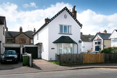 3 Bedroom Detached House To Rent North Denes Road Great Yarmouth
