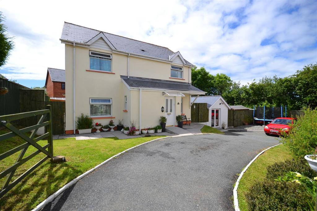 5 Bedrooms Detached House for sale in Haverfordwest