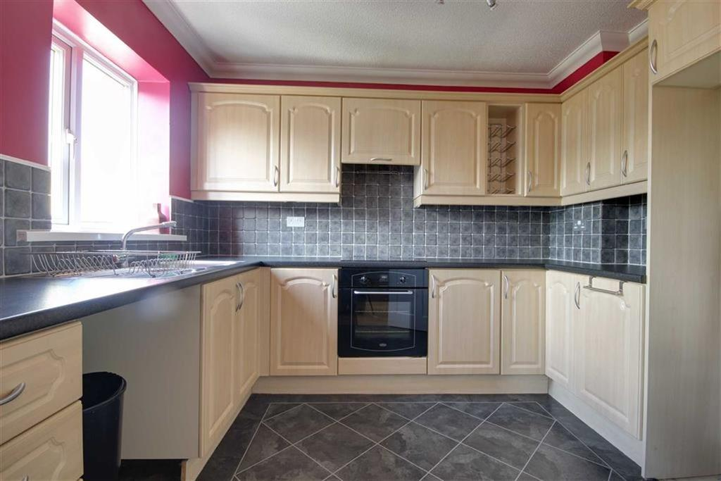 2 Bedrooms Flat for sale in Hazelmoor, Hebburn Village, Tyne Wear