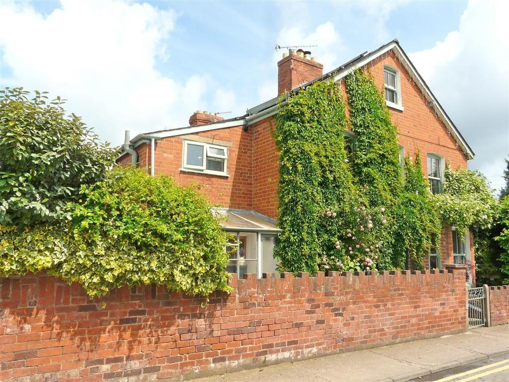 4 Bedrooms House for sale in Park Street, St James, Hereford, HR1