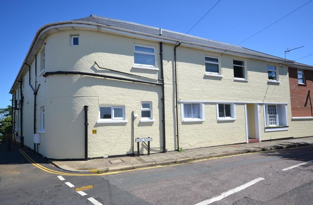 2 Bedrooms Ground Flat for sale in Park Road, Shanklin