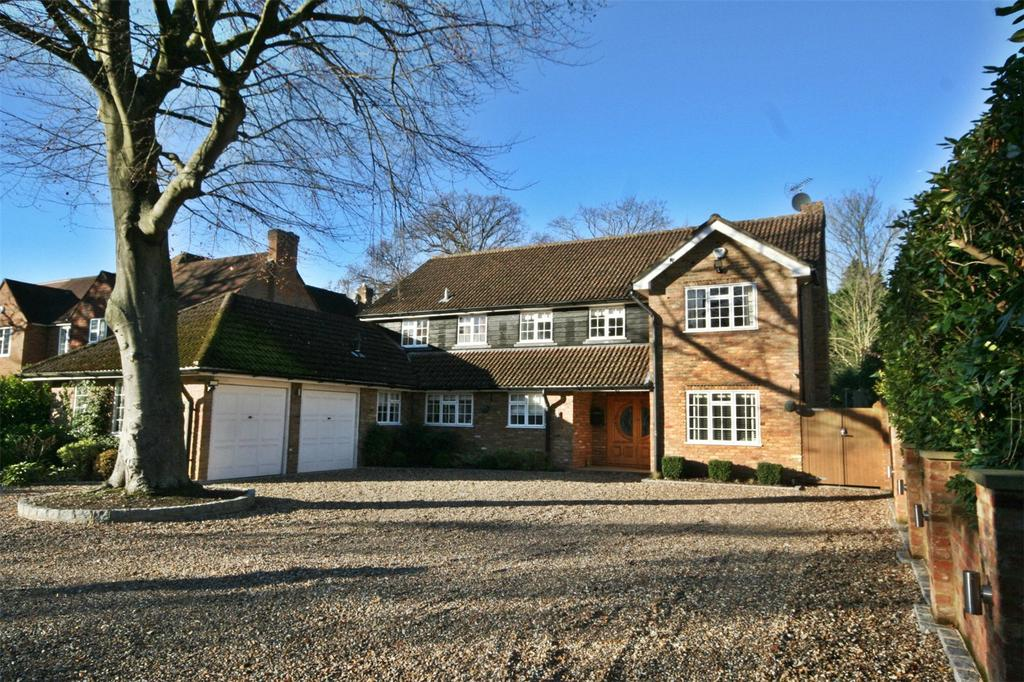 5 Bedrooms Detached House for sale in Dukes Wood Drive, Gerrards Cross, Buckinghamshire