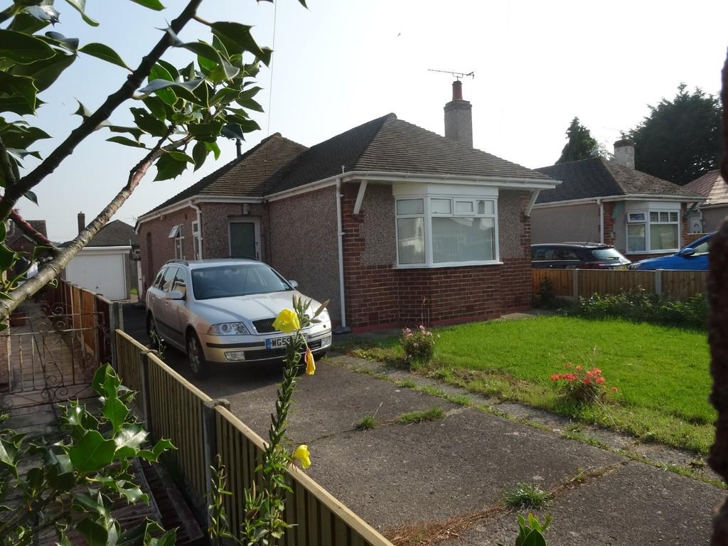 2 Bedrooms Detached Bungalow for sale in Doren Avenue, Rhyl