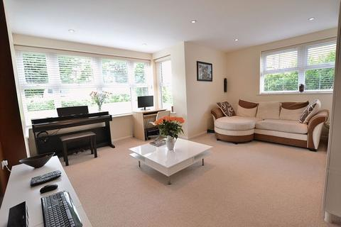 2 bedroom apartment for sale - Upper Park Road, Bromley
