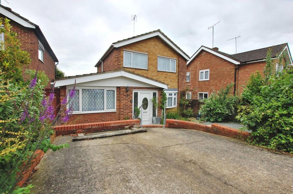 4 Bedrooms Detached House for sale in Wesley Avenue, Colchester, Essex, CO4