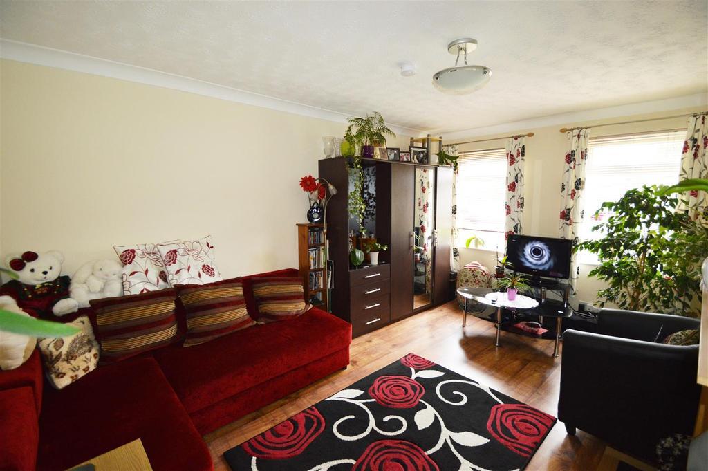 Studio Flat for sale in Linden Road, Coxheath, Maidstone