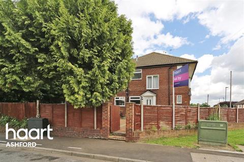 3 bedroom maisonette to rent - Montrose Road, TW14