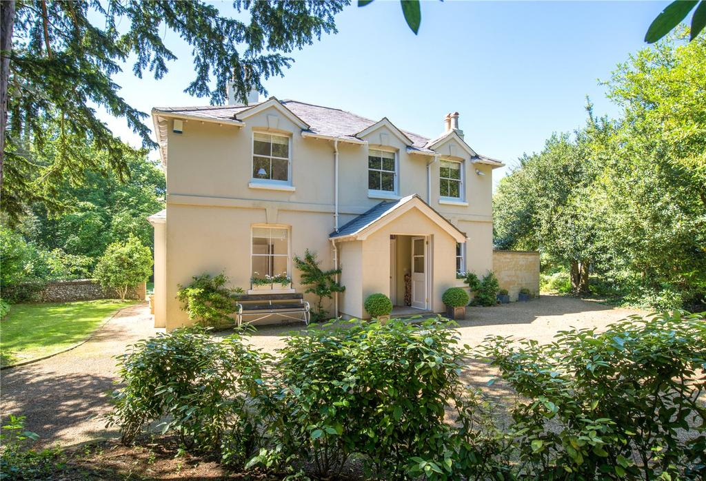 4 Bedrooms Detached House for sale in West Langdon, Kent