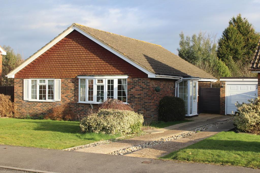 3 Bedrooms Detached Bungalow for sale in Hormare development, Storrington
