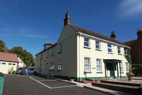 1 bedroom flat to rent - West Street, Storrington, RH20