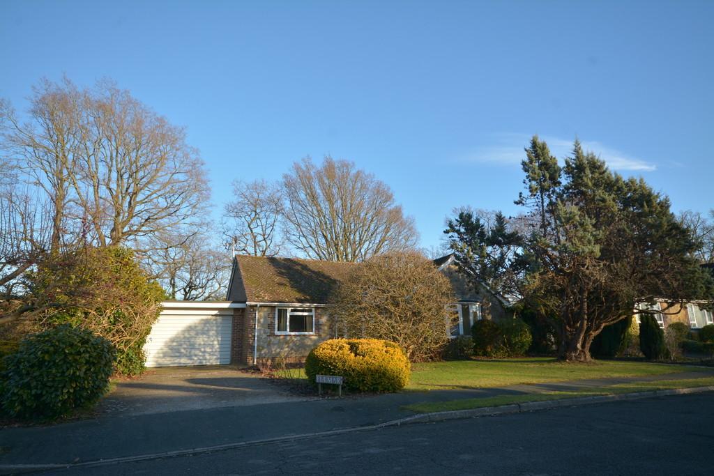 3 Bedrooms Detached Bungalow for sale in West Chiltington