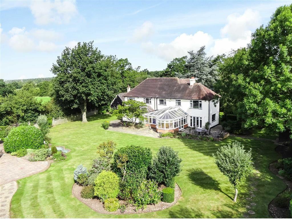 6 Bedrooms Detached House for sale in Bulls Lane, Brookmans Park, Hertfordshire