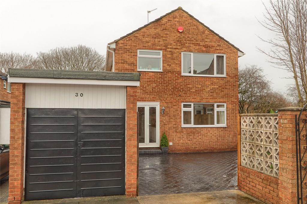 3 Bedrooms Detached House for sale in Pinewood Road, Marton