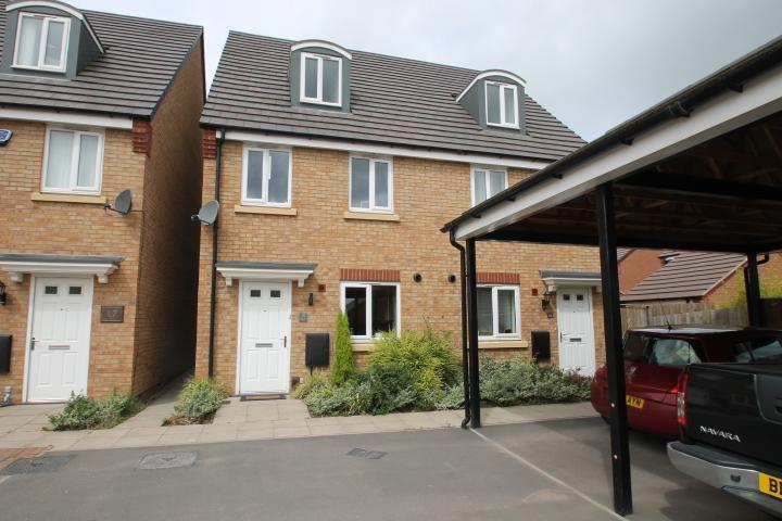 3 Bedrooms Semi Detached House for sale in Coach mews, Wall Heath, DY6