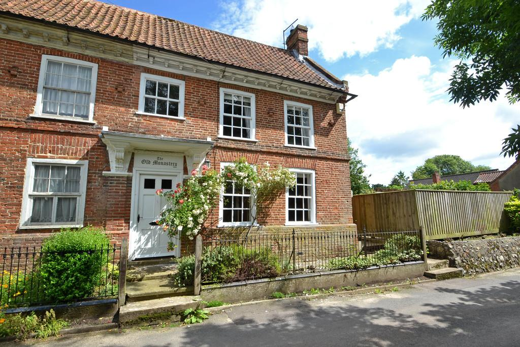 5 Bedrooms Semi Detached House for sale in The Moor, Reepham, Norwich, Norfolk