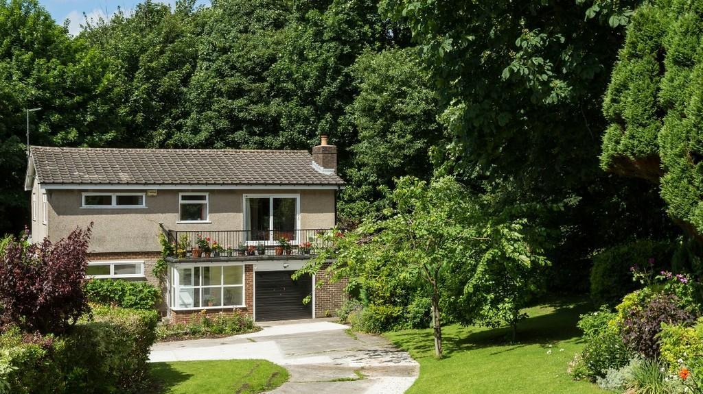5 Bedrooms Detached House for sale in 12 Clougha Avenue, Lancaster, Lancashire, LA1 3JG