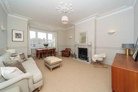 3 bedroom apartment to rent - The Drive, Hove, BN3