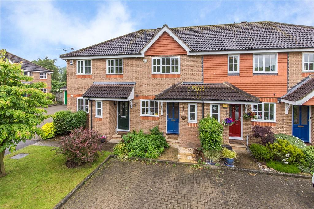 2 Bedrooms Terraced House for sale in Riverbanks Close, Harpenden, Hertfordshire