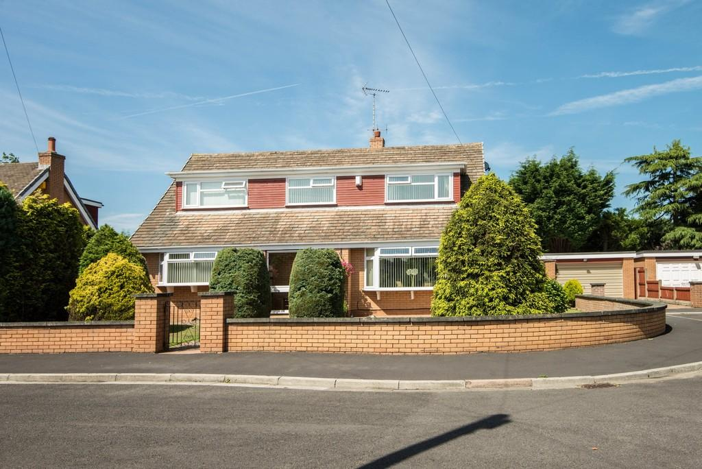 4 Bedrooms Detached House for sale in Ryder Close, Aughton