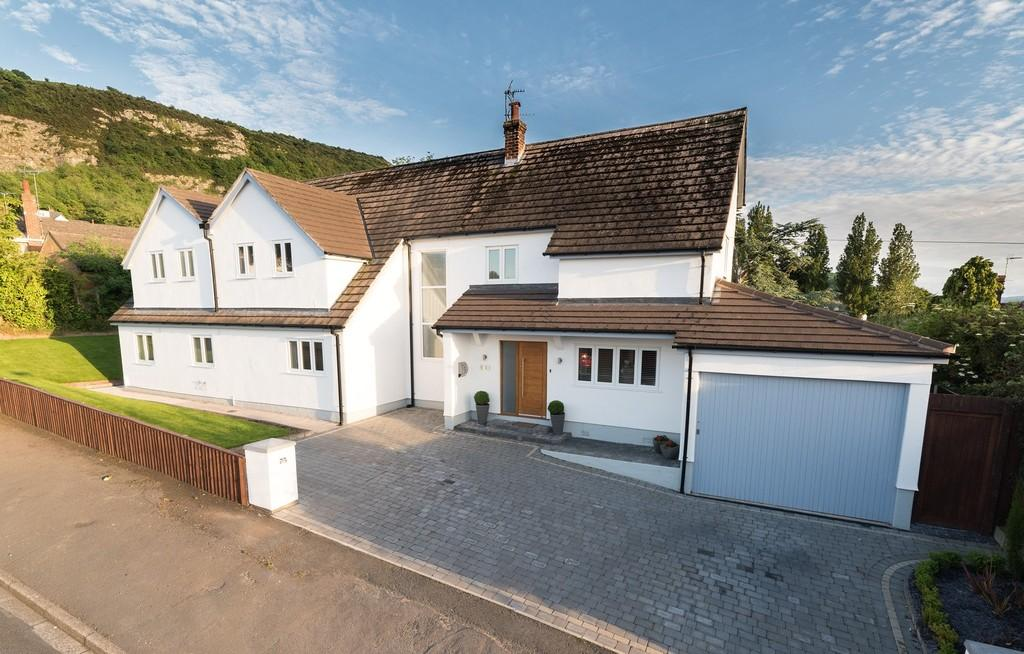 5 Bedrooms Detached House for sale in Bryntirion Avenue, Prestatyn