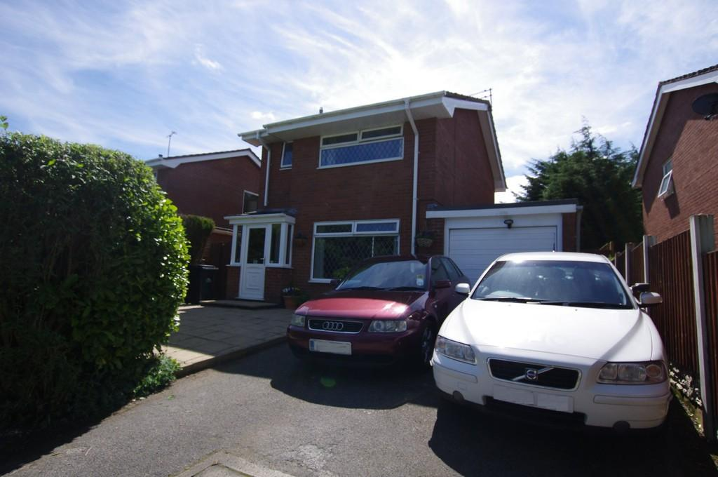 3 Bedrooms Detached House for sale in St. Andrews Road, Colwyn Bay
