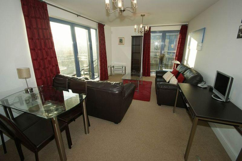 2 Bedrooms Apartment Flat for rent in Admiral House, Castle Quay Close