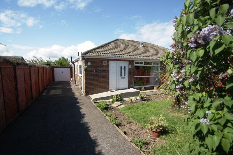 2 Bedrooms Bungalow for sale in Cawley Lane, Heckmondwike