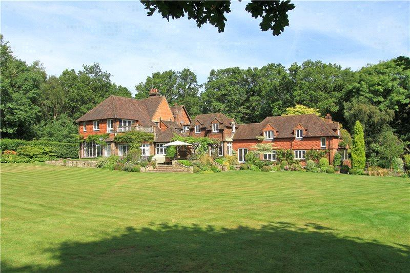 7 Bedrooms Detached House for sale in Chiddingfold, Godalming, Surrey, GU8