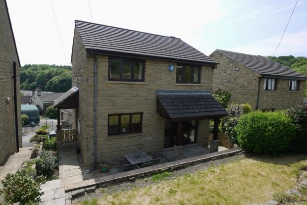 4 Bedrooms Detached House for sale in Lightridge Road Fixby Huddersfield