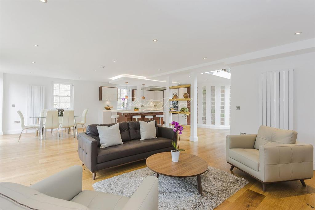 4 Bedrooms End Of Terrace House for sale in Rushgrove Mews, SE18