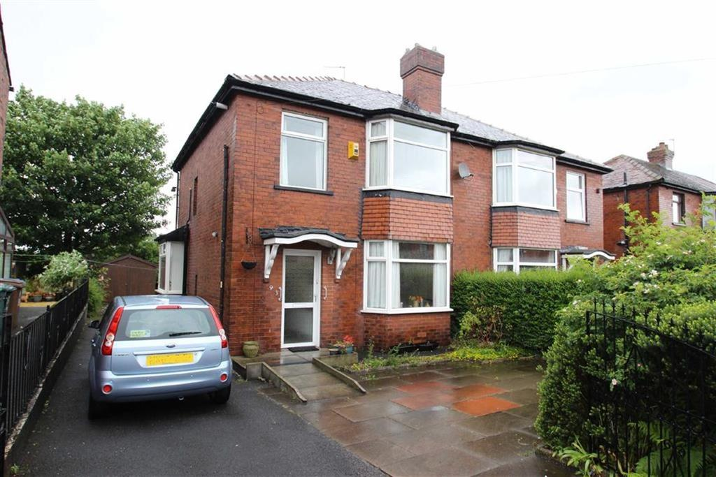3 Bedrooms Semi Detached House for sale in 93, Sedgley Avenue, Buersil, Rochdale, OL16